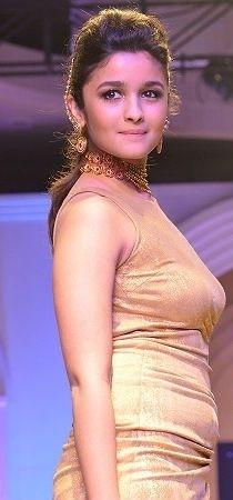 Alia Bhatt - Bride only in Indian Designer Manish Malhotra - designer lehenga
