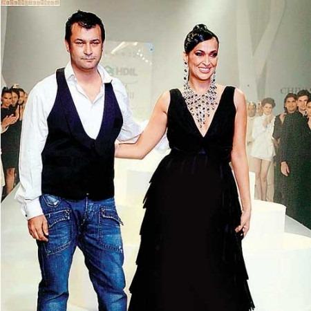 Indian Fashion Designer Ashish Soni: WIFW Finale Designer