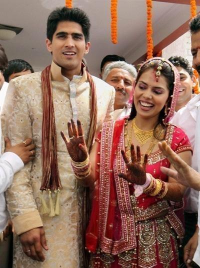 Indian boxer Vijender Singh's wife in a Tarun Tahiliani sari