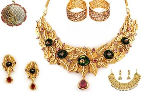 Bling Your Outfit the Indian Way with Stunning Indian Accessories