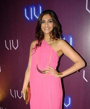 Bollywood Star Sonam Kapoor wears a Necklace by Eina Ahluwalia