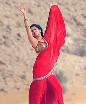 Sunny Leone in an beautiful designer saree