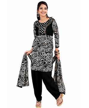 Black colored clothes in Indian fashion - Indian Clothes