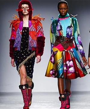 Manish Arora Turns Heads at Paris Fashion Weeks 2015 | Manish Arora Collection at Paris Fashion Week 2015