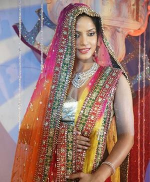 Indian Designer Neeta Lulla - Bollywood's New Hit Formula