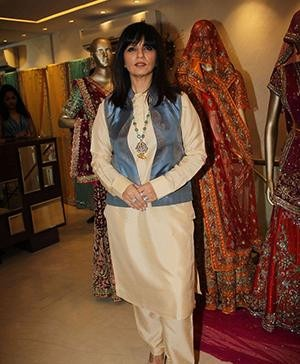 Famous Indian Fashion Designer Neeta Lulla Fashion-Forward Indoreans