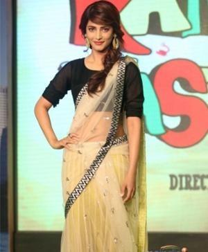 Indian actress Shruti Haasan Indian fashion designer Payal Singhal