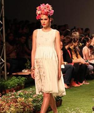 Aneeth Arora Displays a Floral Fantasy at Wills Lifestyle India Fashion Week SS 2015- Aneeth Arora