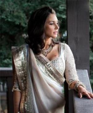 Lisa Ray And Satya Paul For A Wedding Collection