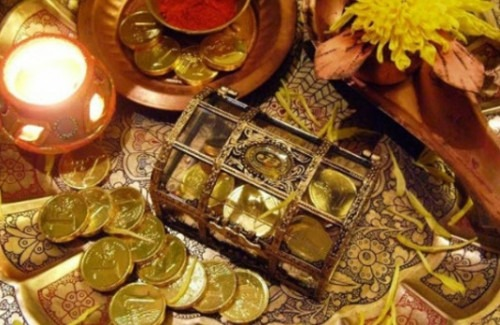 Dhanteras-Gifting-Ideas-What-Presents-to-buy-this-Dhanteras-Stylish Thoughts