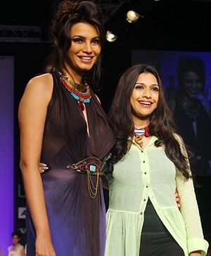 Diana Hayden Walks The Ramp For Indian fashion designer Sounia Gohil