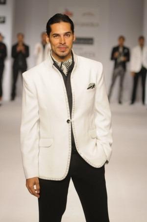Manoviraj Khosla - Bollywood Star Dino Morea walks the ramp for Designer Manoviraj Khosla