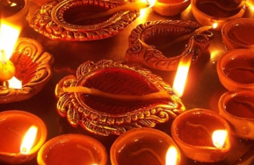 diwali-festival-in-different-parts-of-india-strand-of-silk-driven by curiosity