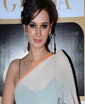 Evelyn Sharma Showcases Satya Paul Saree