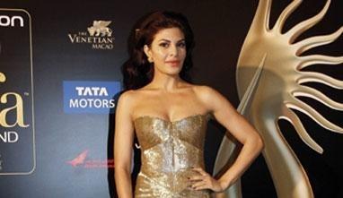 IBFW 2013: Jacqueline Fernandez a Showstopper for Indian Designer Jyotsna Tiwari