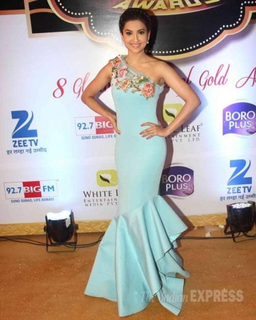 Gauhar Khan Looks Stunning in a Kashmiraa gown-Gauhar Khan