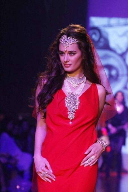 India International Jewellery Week 2013 Indian Designer Gehna Jewellers