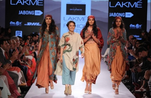 Indian Handlooms Galore at the Lakme Fashion Week