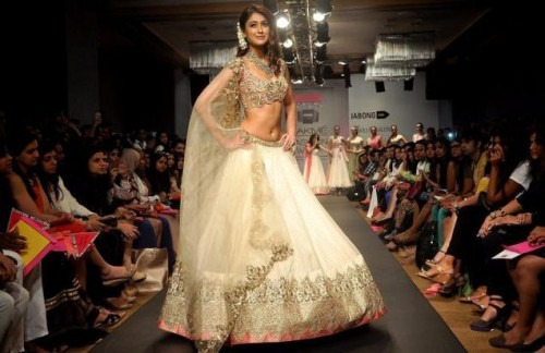 The Surprising Showstoppers at Lakme Fashion Show 2014