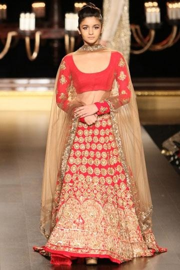 Alia Bhatt on the ramp for Indian Designer Manish Malhotra at India Couture Week