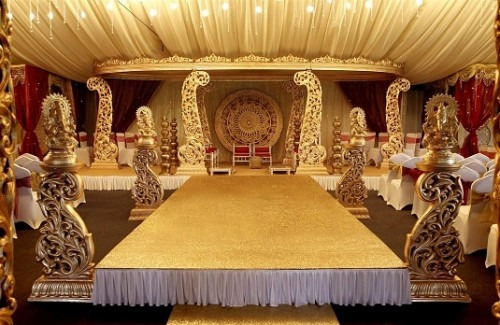 Indian wedding venue decoration ideas that totally rock indian regal golden wedding theme indian wedding venue decoration ideas that totally rock junglespirit Image collections