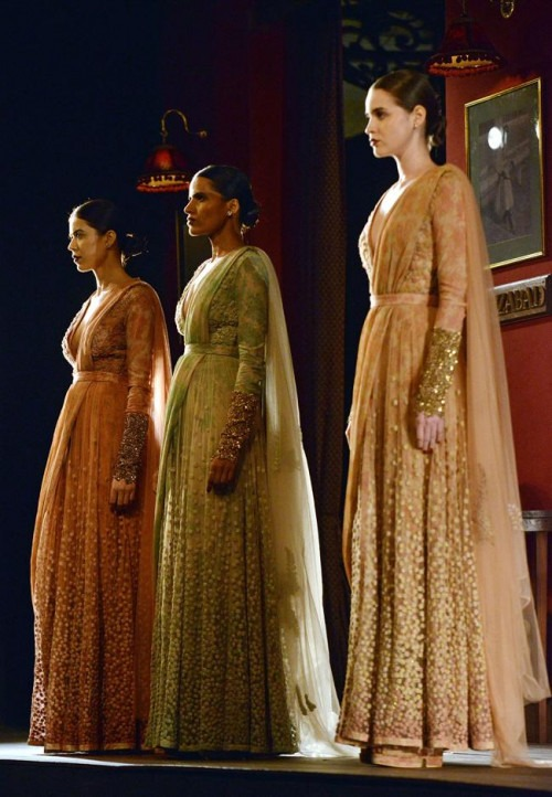 Indian Couture Week 2014 presents Indian bridal Clothes by leading designers