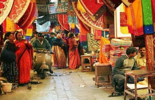 traditional markets of india to shop for clothes and