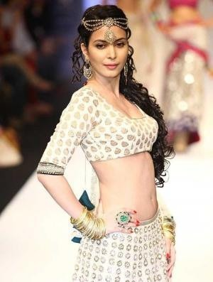 Ankita Shorey for Indian Fashion Designer Payal Singhal