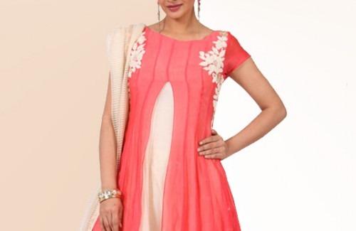 Karieshma Sarnaa's Fuchsia Velvet Yoke Salwar Suit