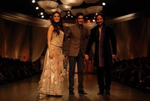 Kareena-Kapoor-and-Saif-Ali-Khan-with-Indian-designer-Manish-Malhotra