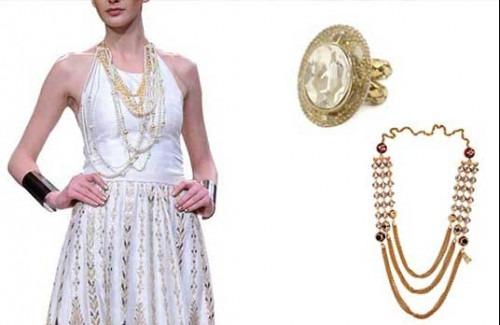 Indian Fashion designer Vijay Balhara's designer dress with Sannam Chopra's Indian designer accessory