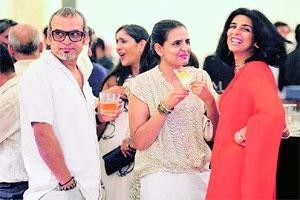 Tina Tahiliani with Subodh Gupta and Bharti Kher