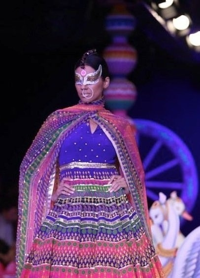 Indian Designers Manish Arora Maang Teeka Indian Accessories Indian Clothes