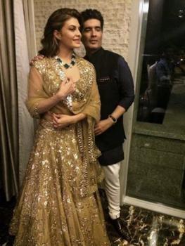 Manish Malhotra Chose Jacqueline Fernandez to Showcase a Gold Lehenga| Jacqueline Fernandez and Manish Malhotra