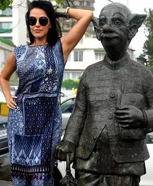 Actress Neha Dhupia in Anita Dongre for the promotion of Ekkees Toppon Ki Salaami