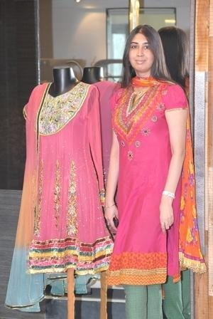 Indian Designer Preet Jhawar Launchs Collection of Salwar Kameez Suits Online