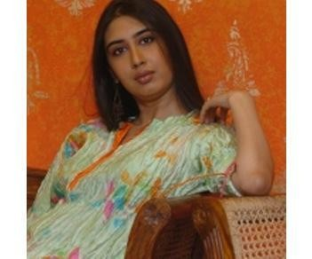 A Fashion Designer for Traditional Indian Clothes Preeti Jhawar