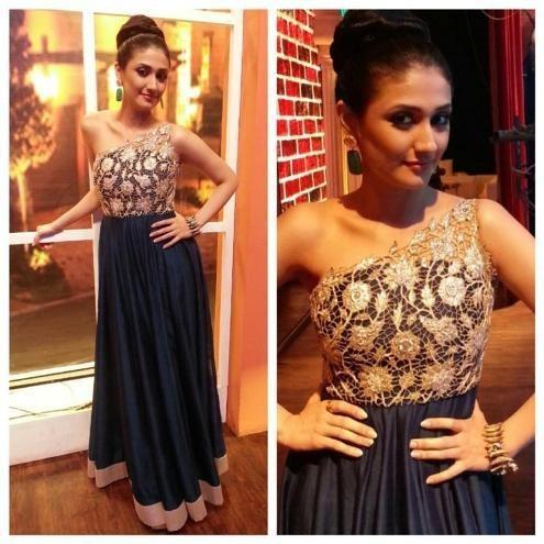 Ragini Khanna Wearing Fashion Designer Payal Singhal
