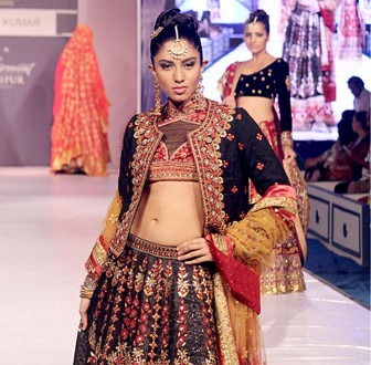 Ritu Kumar's Collection at RFW 2013