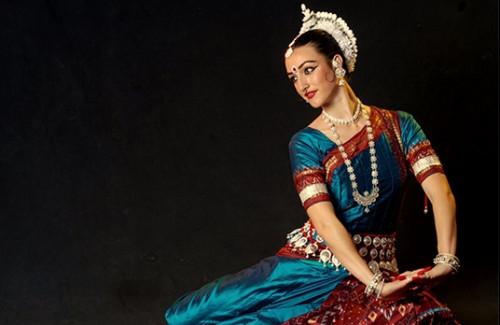 Indian Classical dance, Bharatanatyam, Indian designer silk saree