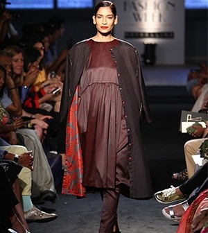 model-wearing-sanjay-garg-clothes-news-article-the-importance-of-indian-fashion-weeks