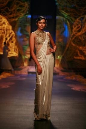 Bridal trends from IBFW 2013 catwalks