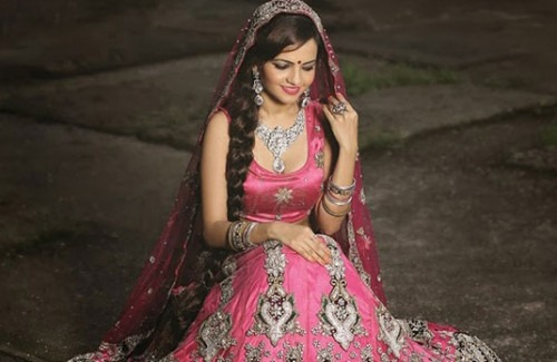 Selecting the Perfect Style for an Indian Wedding Lehenga Online