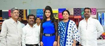 Pochampally Ikat Art Mela 2014: Helping the Local Artisans| Shilpa Sri at the Innauguration of Ponchapally Ikat art Mela