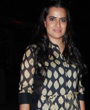 Sona Mohapatra Wears Myoho to Richa Chadda's Birthday Bash