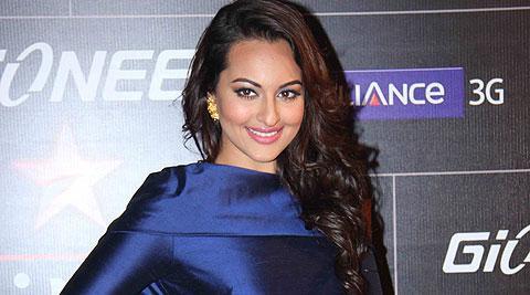 Sonakshi Sinha always looks fabulous in Indian designer fashion