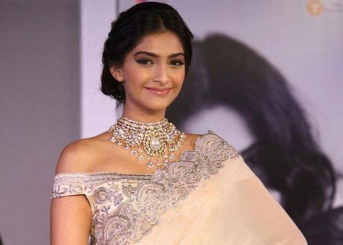 The Iconic fashion diva Sonam Kapoor in Indian designer clothes