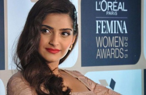 SONAM KAPOOR: GIRL'S MUST HAVES - Stylish Thoughts