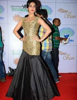 Sonam Chauhan Beautiful and Glamorous| Sonam Chauhan in a black and gold dress by Siddharta Tytler