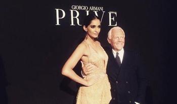 Sonam Kapoor a Guest Star at Giorgio Armani Fashion Show| Sonam and Giorgio Armani